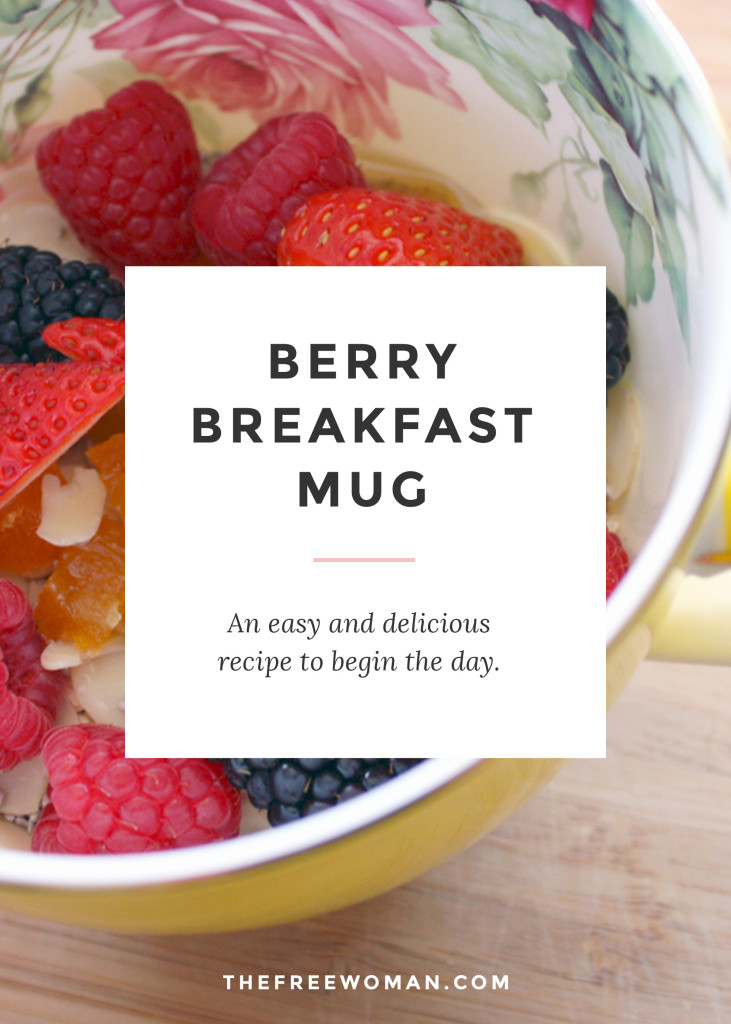 An easy & {berry} delicious recipe to begin the day.   thefreewoman.com