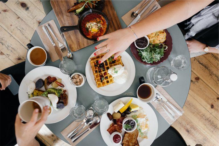 Illuminating Wellness: Intuitive Eating