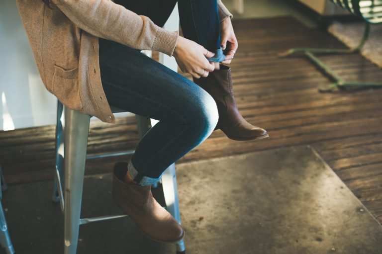5 Ways To Anchor Yourself When Feeling Overwhelmed