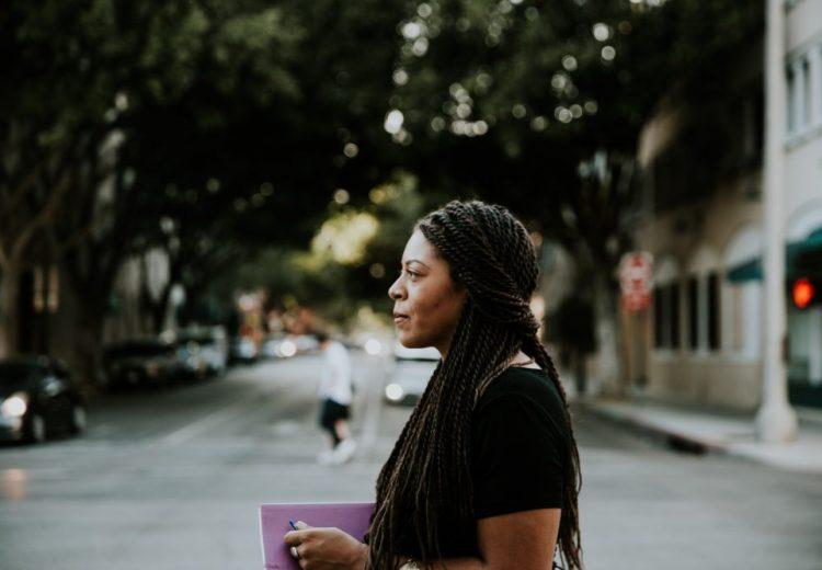 An Interview with Arielle Estoria {Writer, Speaker, Creative} | thefreewoman.com