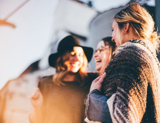 A Simple Guide To Maintaining & Making New Friendships After Graduating | thefreewoman.com